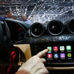"""""""Apple"""" develops technology that allows """"iPhone"""" to control the Air conditioning and car seats"""